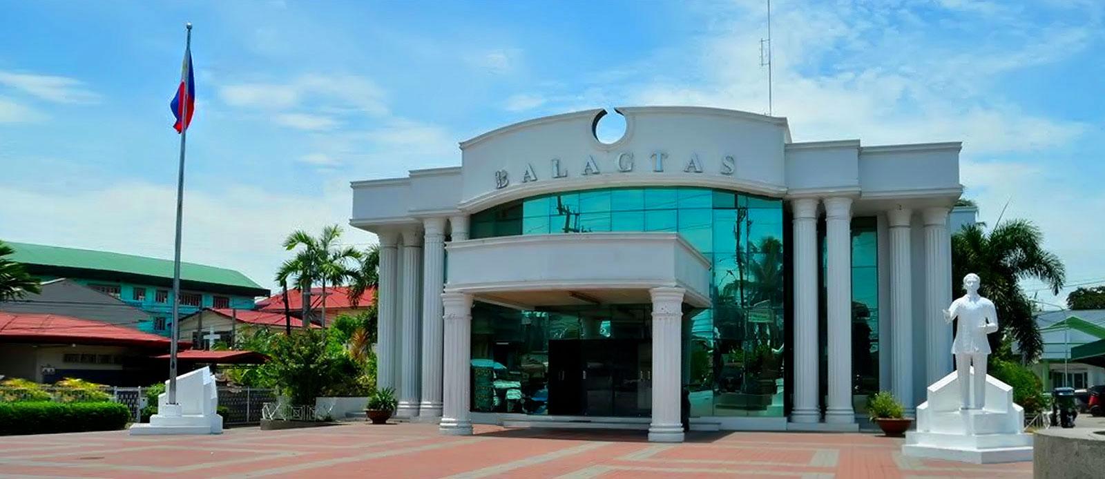BALAGTAS:<p>Municipal Hall</p>